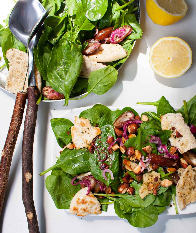 salade spinazie dadels walnoten